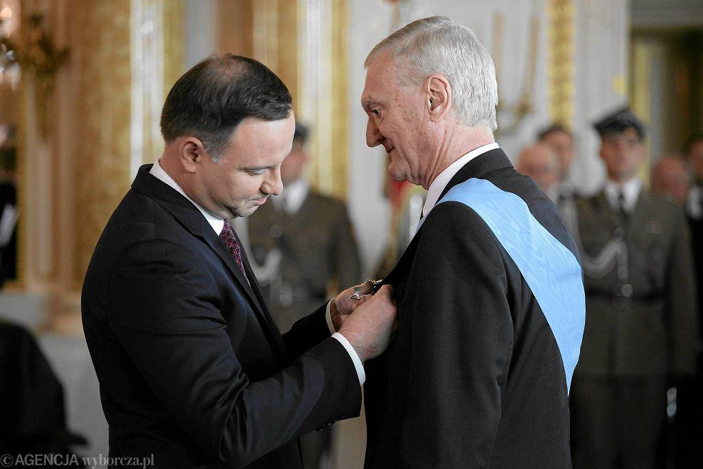 Prof. Michał Kleiber odbiera order Orla Białego