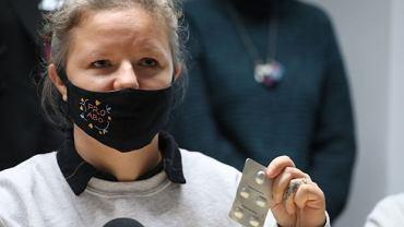 Natalia Broniarczyk (Aborcyjny Dream Team) na konferencji Ogólnopolskiego Strajku Kobiet