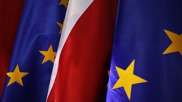 Sondaż. 49 proc. Polaków uważa, że polityka PiS może doprowadzić do polexitu