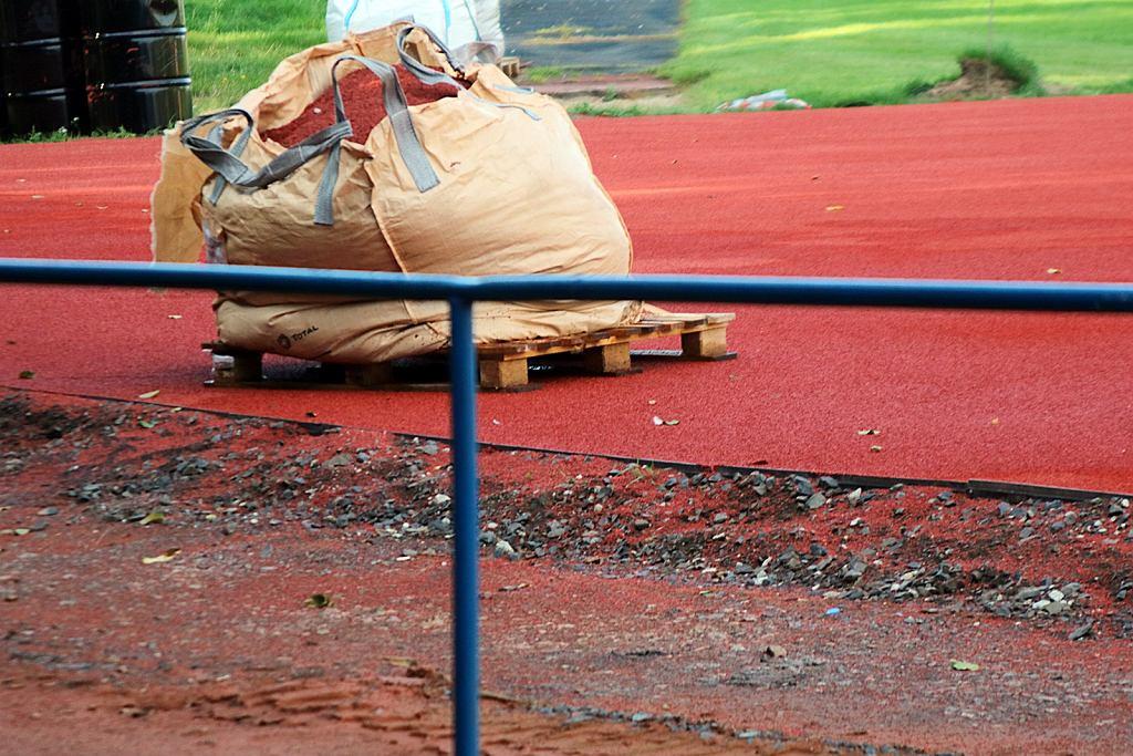 Wrzesień 2021 r. Budowa stadionu lekkoatletycznego i stadionu rozgrzewkowego w Gorzowie