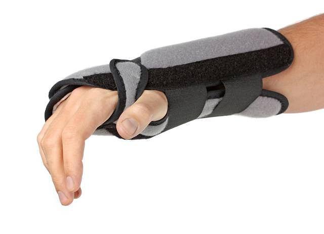 Podstawowym zadanie ortezy, czyli jednego z rodzajów aparatów ortopedycznych jest stabilizacja przede wszystkich stawów kończyn