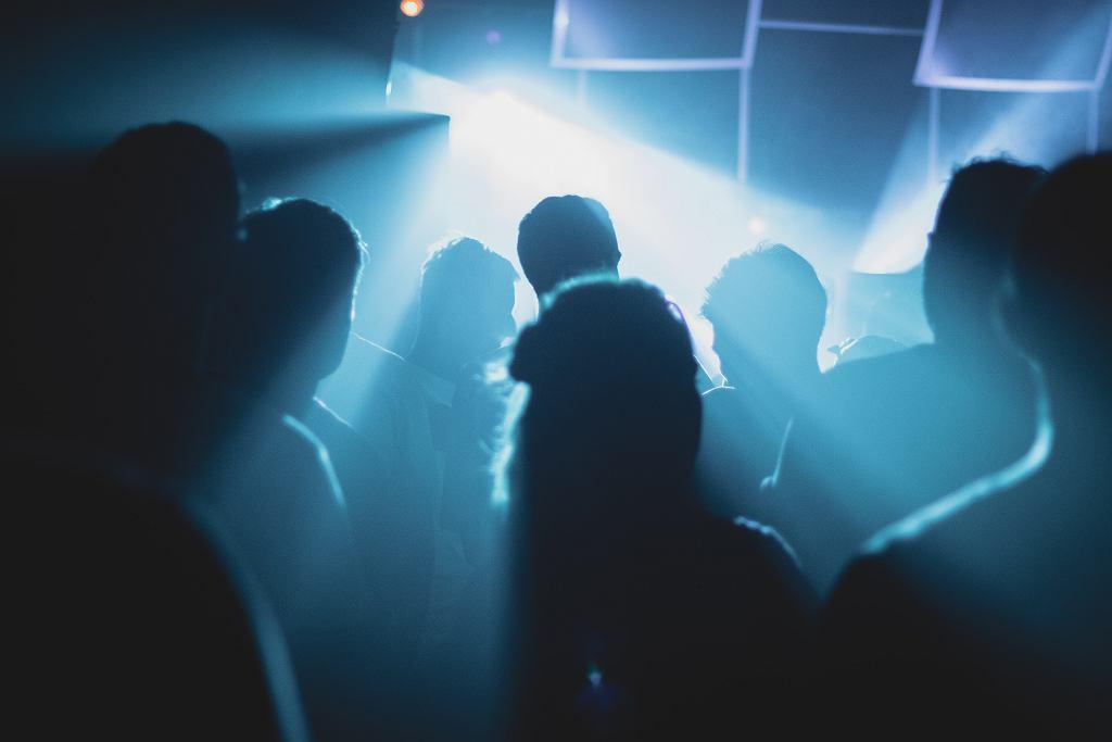Belgia. Policja rozbiła trzecie w tym miesiącu seksparty
