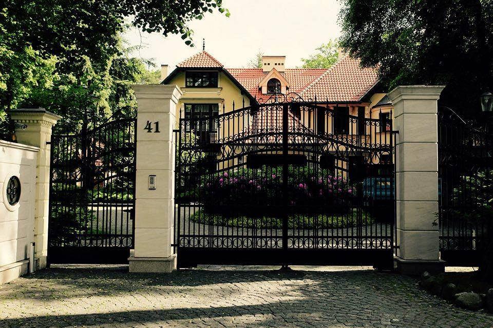 Willa w Warszawie. Takie nieruchomości wynajmuje się na doby