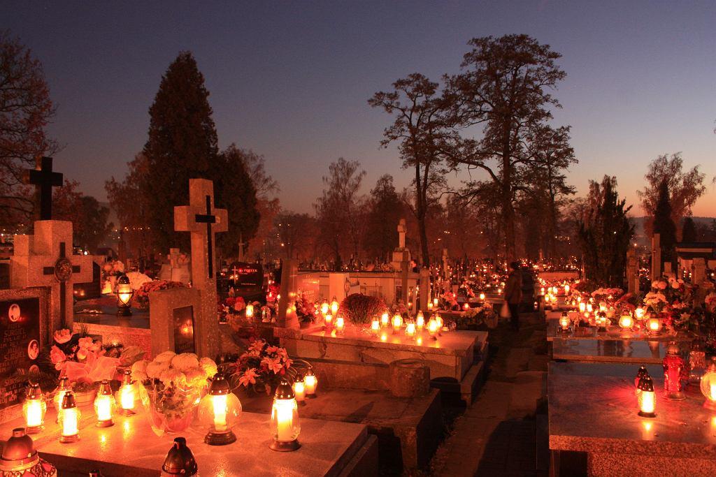 Ile dni zostało do Wszystkich Świętych i Święta Zmarłych?