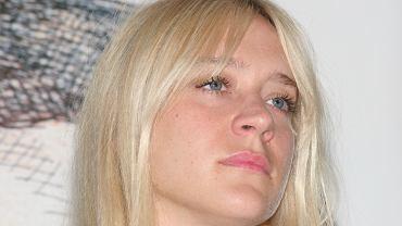 No brows - nowy, zaskakujący trend w makijażu brwi. Jest kompletnym przeciwieństwem do poprzedniego