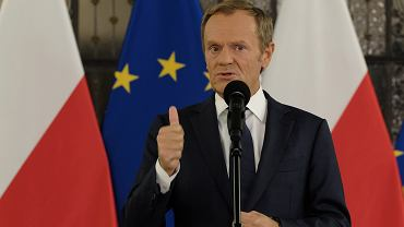 Szef PO Donald Tusk podczas konferencji prasowej w Sejmie. Warszawa, 19 października 2021