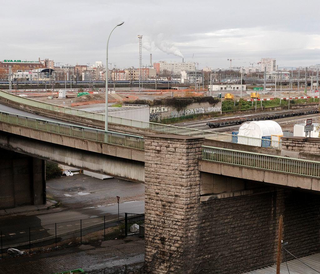 Wiadukty obwodnicy Paryża, która oddziela stolicę Francji od Saint-Denis. To ważne miejsce na migracyjnej mapie miasta