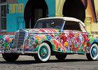 Aukcje   Klasyczny Mercedes w kwiatki