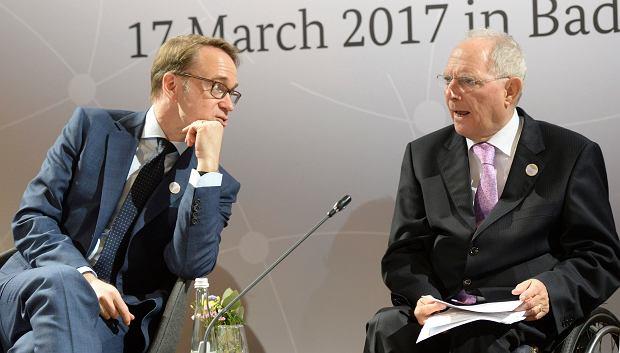 Niemiecki minister finansów Wolfgang Scheuble i prezes Bundesbanku Jens Weidmann przed spotkaniem G20 w Baden Baden