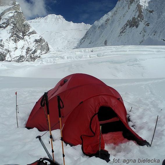 Obóz I w tle Lhotse