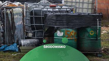 Nielegalne wysypisko odpadów toksycznych, zdjęcie ilustracyjne.