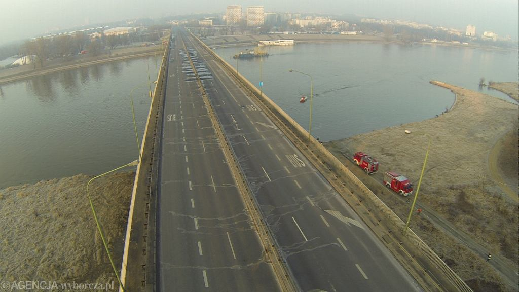 Widok z lotu ptaka na most Łazienkowski