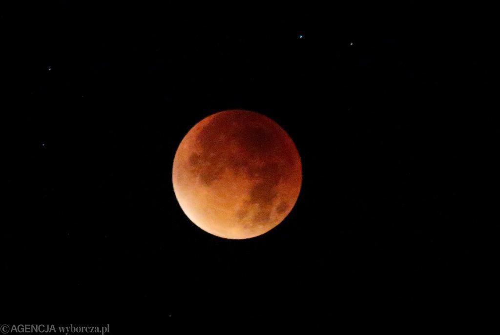 Zaćmienie Księżyca - lipiec 2018. Niezwykły spektakl na niebie już trwa!