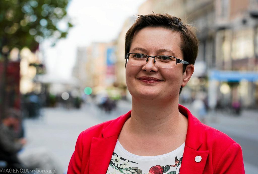 Lipiec 2015, Łódź, Piotrkowska. Katarzyna Lubnauer jako 'jedynka' na liście kandydatów do Sejmu z Nowoczesnej