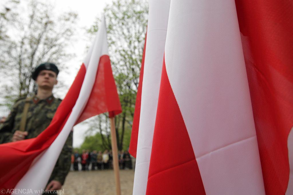 Rząd przeznaczy 30 mln zł 'dla organizacji patriotycznych'. Rozpoczął się nabór wniosków