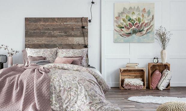 Narzuty na łóżko, które odmienią wygląd sypialni. Wybrałyśmy 18 modeli z rabatem nawet do 62%