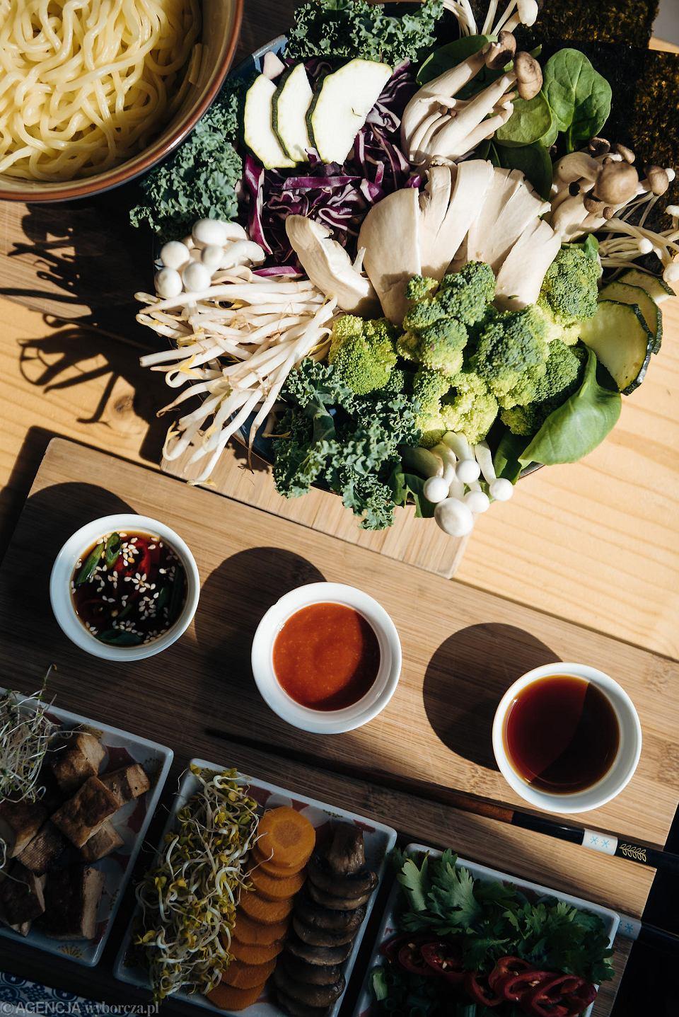 Kuchnia Azjatycka I Zdrowe Słodkości I Wszystko Wegańskie