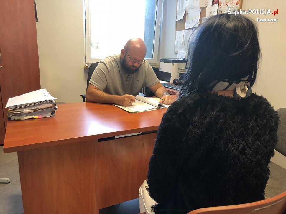 Jaworzno. Kobieta za kurs do Krakowa chciała zapłacić amfetaminą. Nie wiedziała, że proponuje ją policjantom