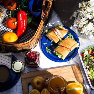 Plenerowe sandwiche, przekąski i sałatki