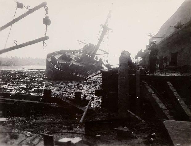 Wrak jednego ze statków zniszczonych przez eksplozję w Texas City