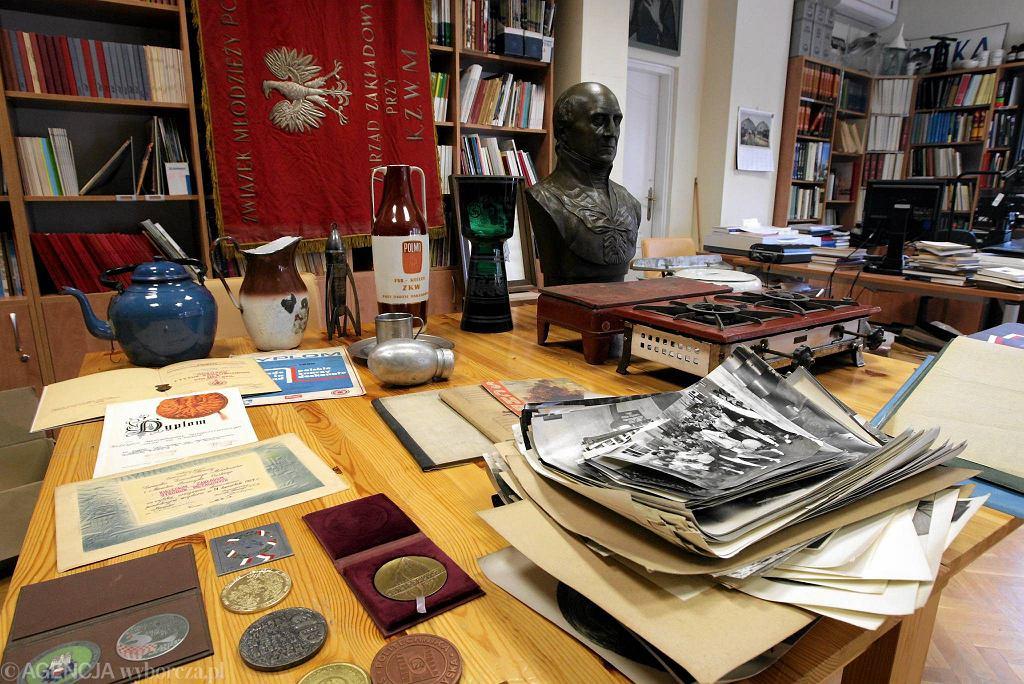 Kielce, Muzeum Historii Kielc. Pamiątki przekazane przez Zakłady Wyrobów Metalowych SHL / PAWEŁ MAŁECKI