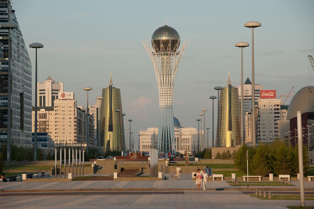 Wieża Bajterek, Astana