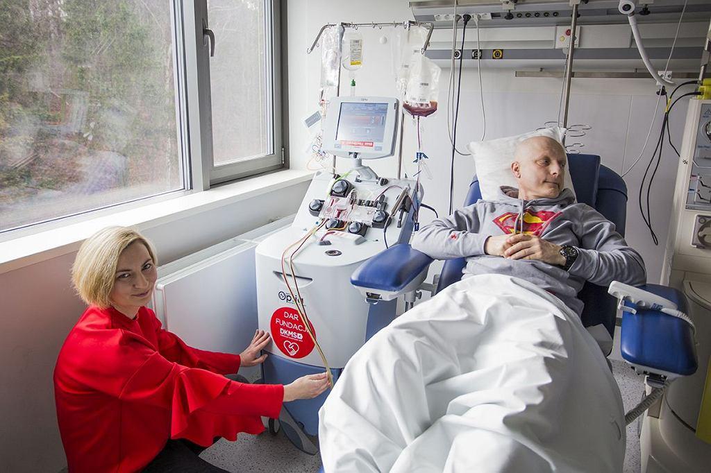 Bez profesjonalnego sprzętu, wsparcia dietetycznego i psychologicznego, pacjenci z nowotworami krwi mają znacznie mniejsze szanse na zwycięstwo. Dar Fundacji DKMS dla UCK, marzec 2019r.