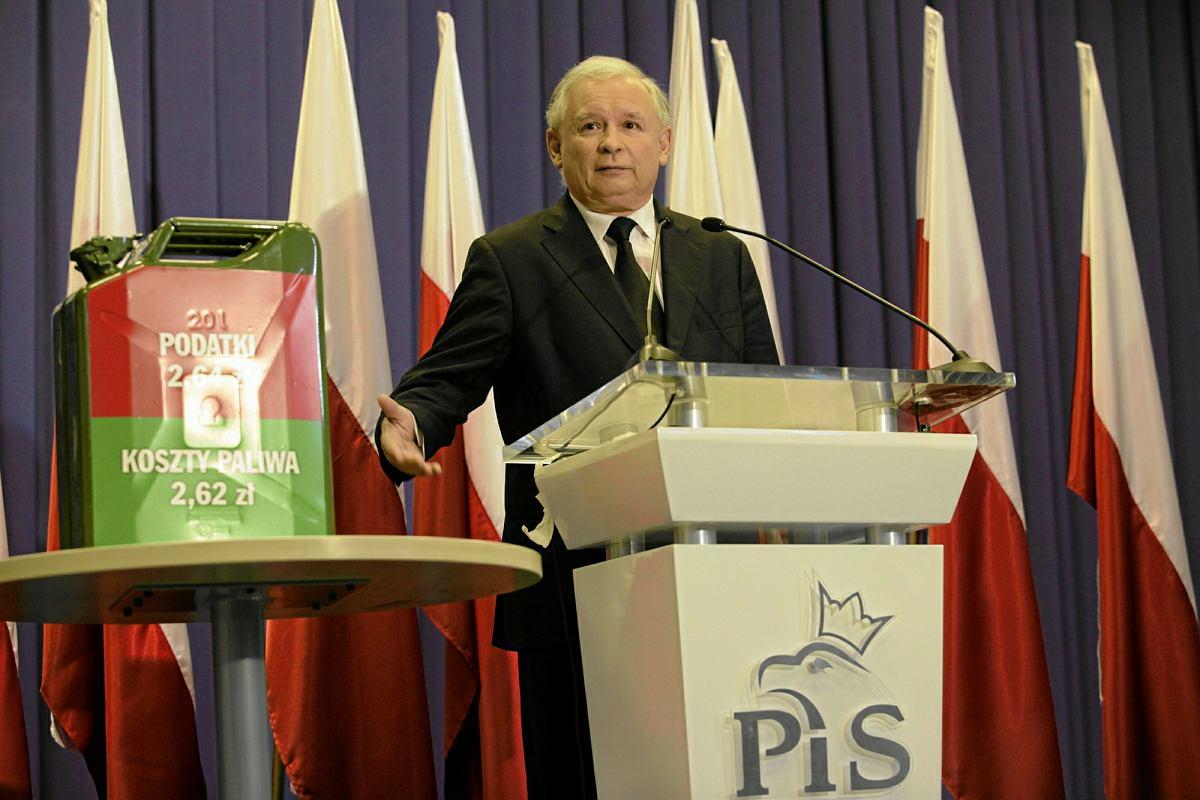 https://bi.im-g.pl/im/27/0d/15/z22073639AMP,Konferencja-szefa-PiS-Jaroslawa-Kaczynskiego-z-sie.jpg