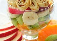 Sałatka owocowa z naleśnikami - ugotuj