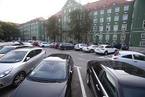 Koszty parkowania w największych miastach w Polsce. Ile kosztuje parkowanie w Warszawie, Krakowie, Gdańsku, Wrocławiu, czy Poznaniu?