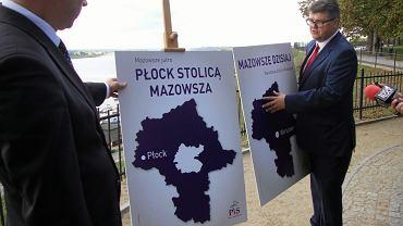 29 września, Marek Martynowski i Maciej Wąsik z PiS prezentują w Płocku projekt nowego województwa. Jego granice będą jeszcze konsultowane