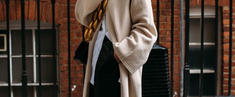 Top 18 długich swetrów dla kobiet po 50 - tce! Wybrałyśmy modne, kobiece modele
