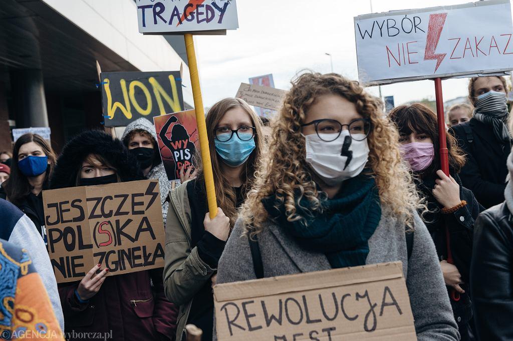 Kobiety w Szwecji chcą pomóc Polkom. Starają się o możliwość bezpłatnej aborcji