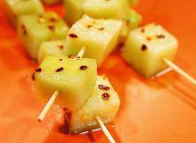 Pikantne szaszłyczki z melona z sosem jogurtowo-cynamonowym - ugotuj