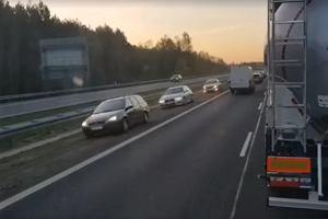 """""""Festiwal zawracania"""" i jazda pod prąd po wypadku na A4"""