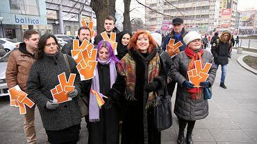 Lokalni aktywiści nowej partii Roberta Biedronia na pl. Rodła w Szczecinie