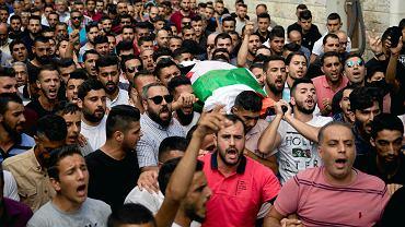 Pogrzeb zabitej Palestynki Aiszy Rabi.