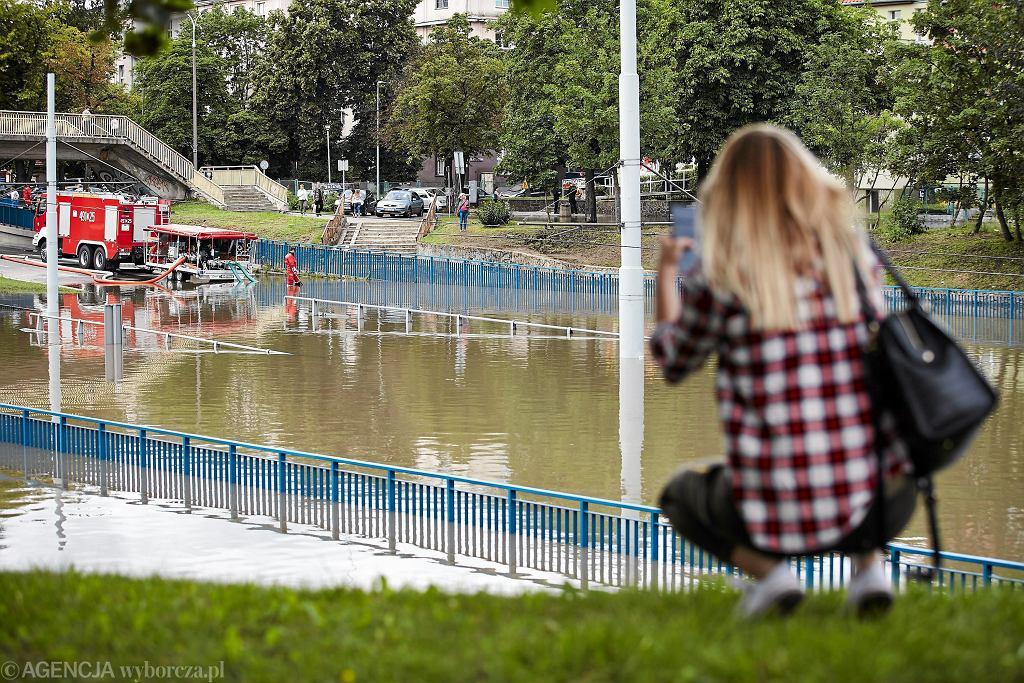 Pogoda na lato 2018 - ulewne deszcze i burze mogą nawiedzić Polskę i spowodować zniszczenia (zdjęcie archiwalne z Gdańska)