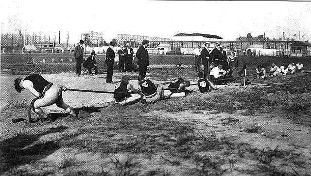 Oprócz ciekawych przygód na trasie maratonu, Igrzyska Olimpijskie w St. Louis urozmaicone były również nietypowymi konkurencjami.