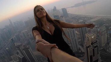 Victoria Odintcova zawisła bez zabezpieczenia 300 m nad ziemią, żeby zrobić wyjątkowe zdjęcie