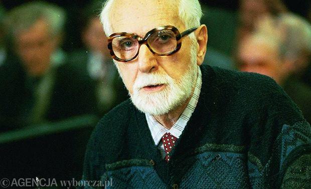 Anatol Fejgin, w latach 1951-53 dyrektor X Departamentu Ministerstwa Bezpieczeństwa Publicznego, zeznaje w 1995 r. na procesie Adama Humera, byłego funkcjonariusza MBP oskarżonego o znęcanie się nad więźniami