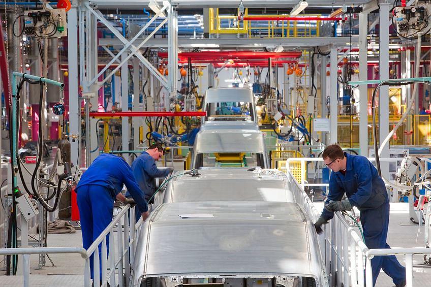 Ford отказывается от продажи автомобилей в России