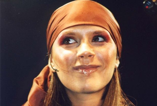 Zdjęcie numer 1 w galerii - Jak zmieniała się Victoria Beckham? [GALERIA]