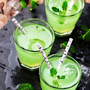 Orzeźwiający napój miętowy