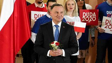 Prezydent Andrzej Duda podczas spotkania z mieszkańcami w Szkole Muzycznej w Szczytnie, 6 marca 2020