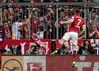 Bundesliga. Robert Lewandowski bez litości. Pogrąża Borussię. I schodzi z boiska... z kontuzją