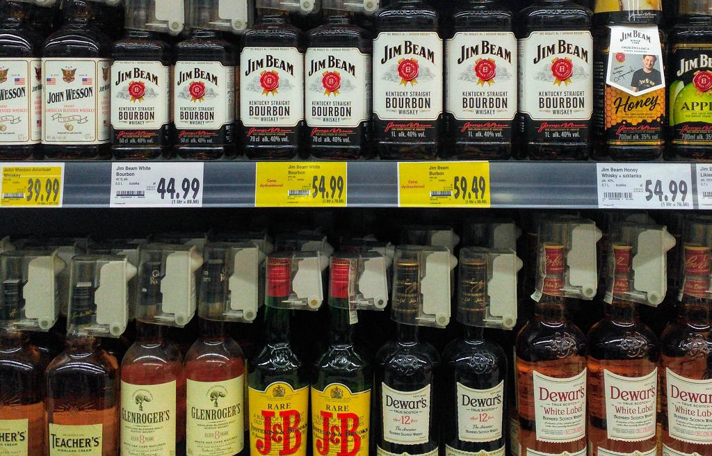 Whisky, które możemy dostać w sieciówkach z perspektywy konesera - czy są warte uwagi?