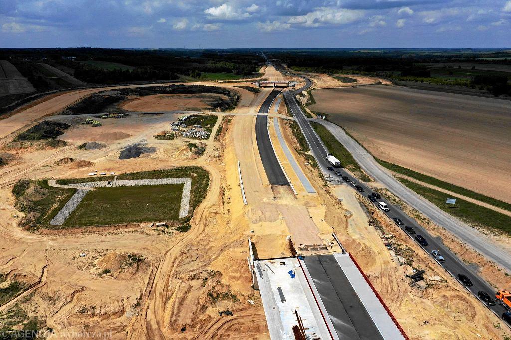 Budowa autostrady A1 wokół Częstochowy. Tak wyglądało skrzyżowanie z DK 43 w kierunku Kłobucka 7 maja 2019 r.