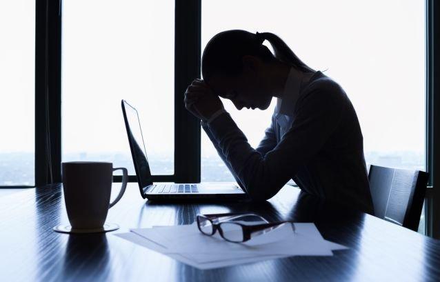 Pracoholizm to jednyne uzależnienie, które jest promowane społecznie. Pracoholik nieustannie walczy, aby być docenionym.