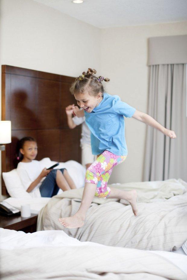 Warto, aby hotel miał udogodnienia dla rodzin z dziećmi.